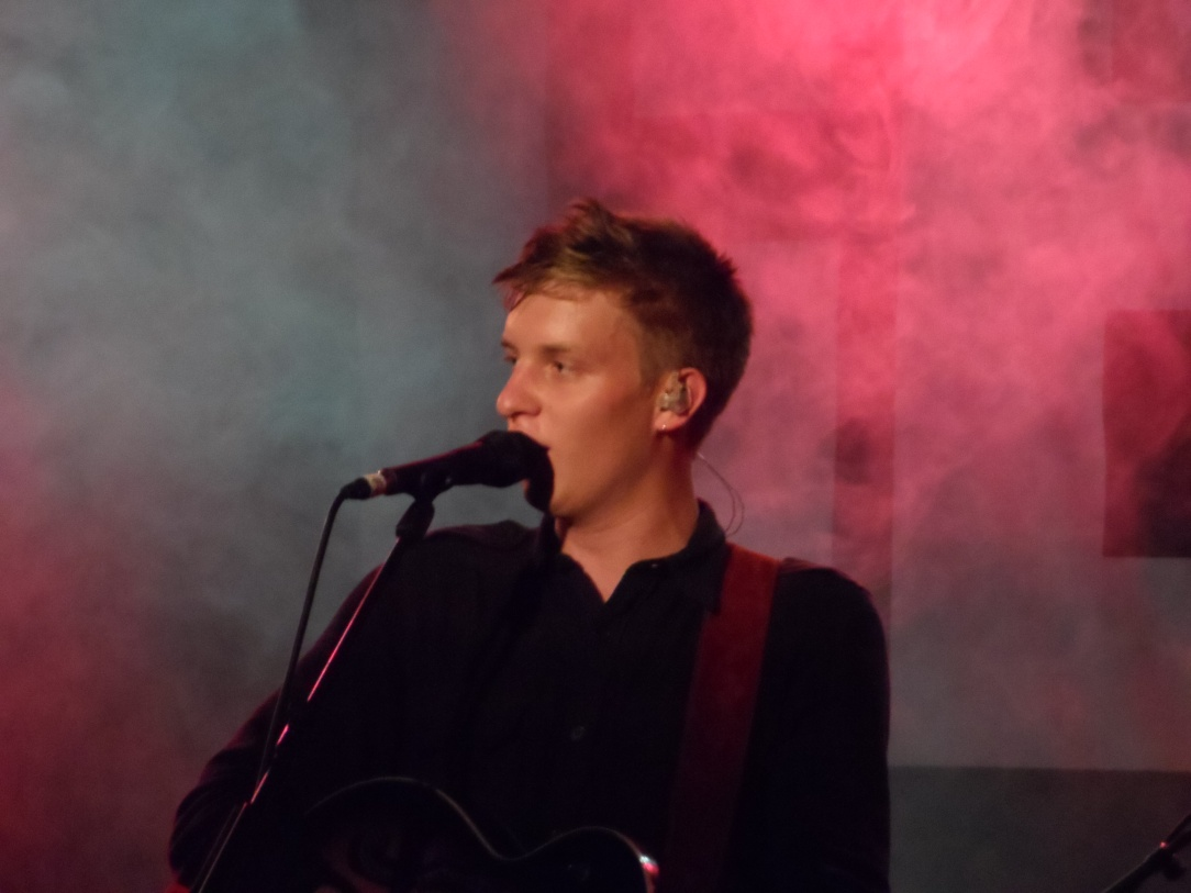 George_Ezra_Sheffield_01.jpg