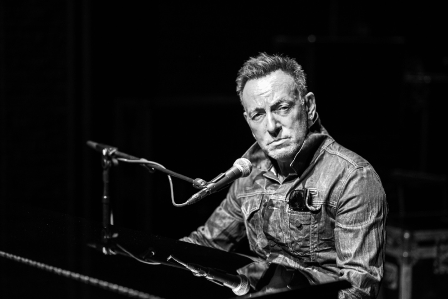 bruce-springsteen-on-broadway-opener-71eb0e79-809b-402a-8adb-1b7657e43272.jpg